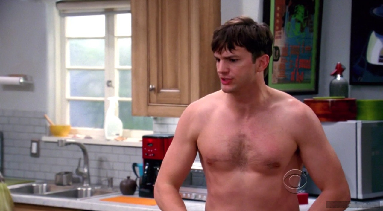 ashton kutcher exposed naked