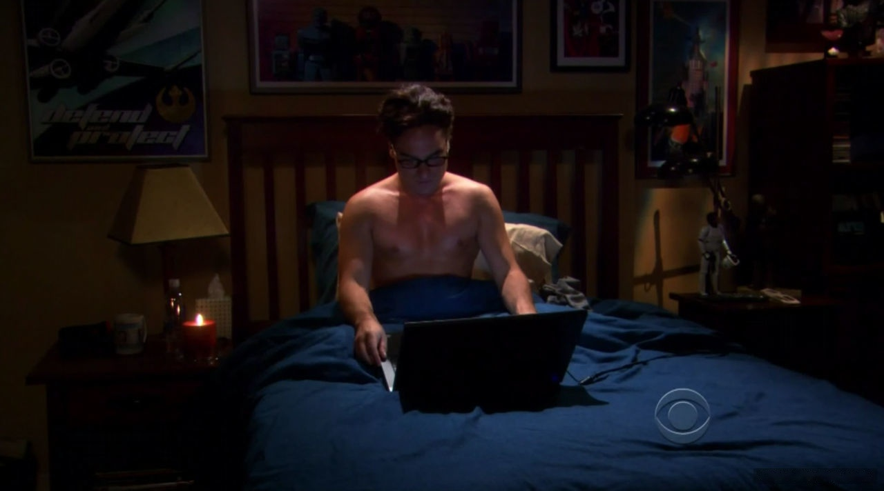 Johnny Galecki leaked nude