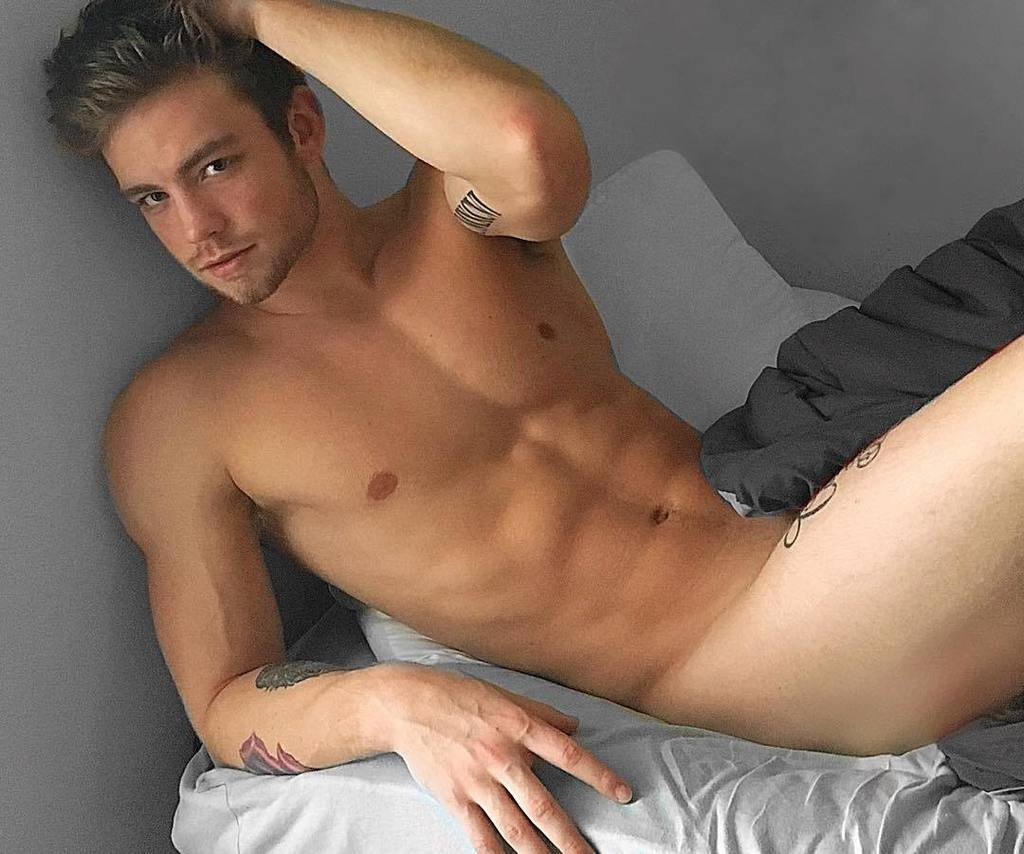 Dustin McNeer naked
