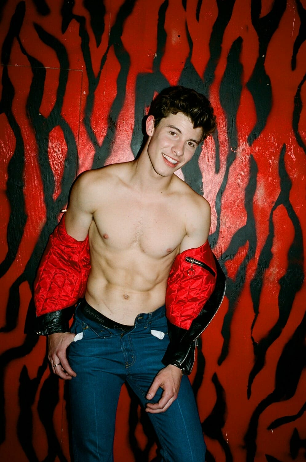 Shawn Mendes hot body abs