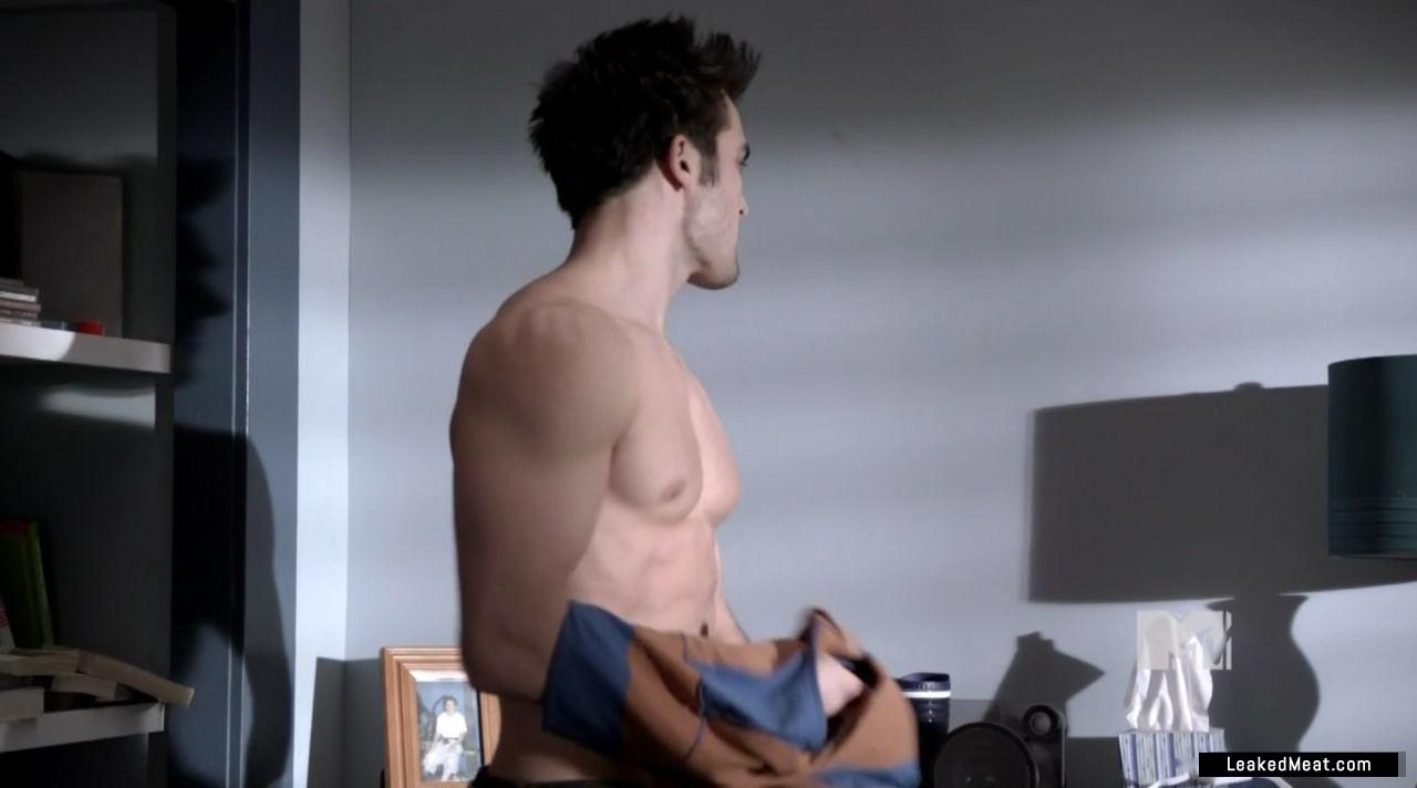 tyler hoechlin naked body