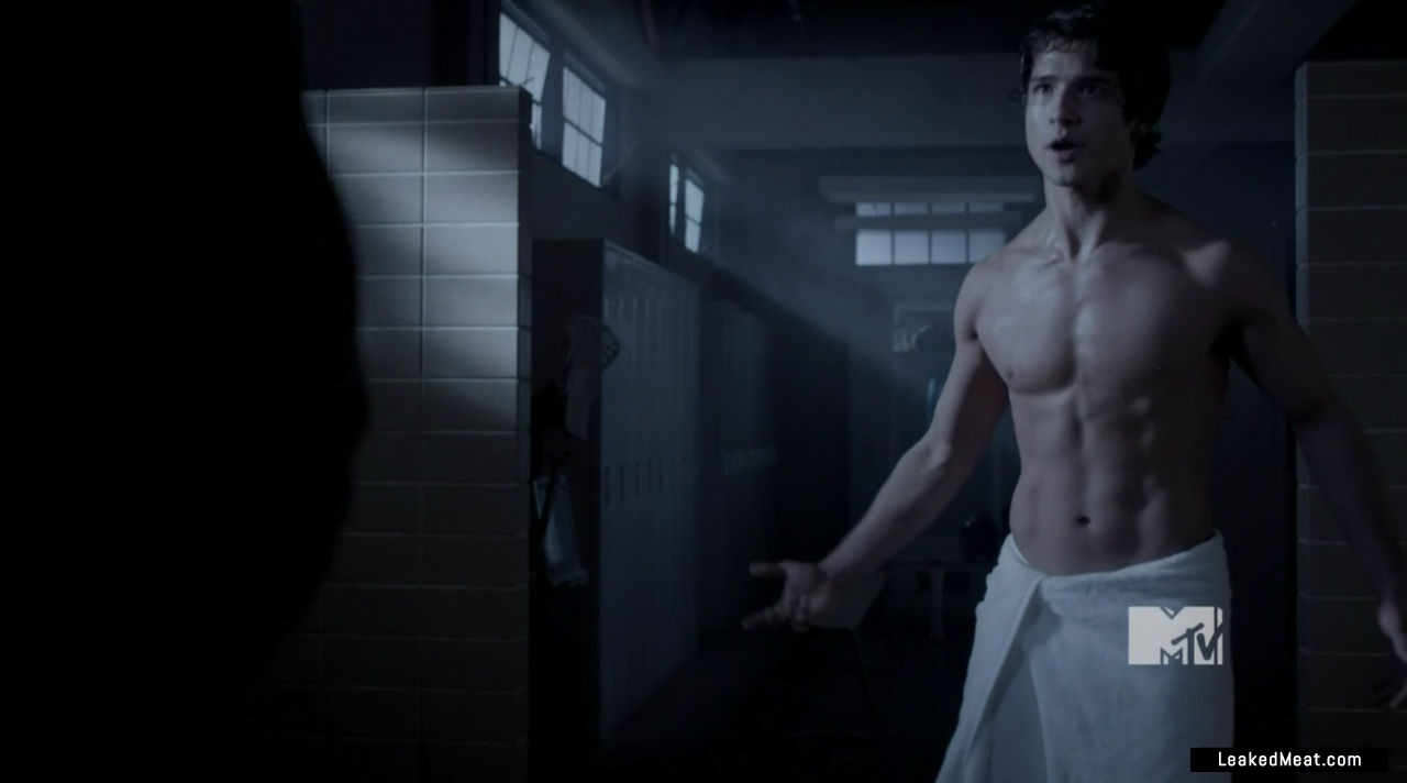Tyler Posey sexy naked