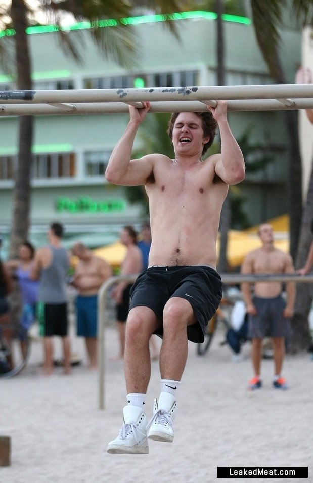 Ansel Elgort nice muscles