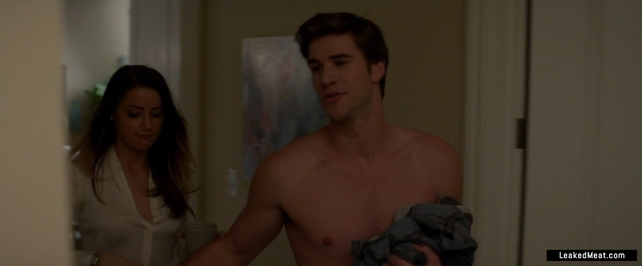 Liam Hemsworth full frontal
