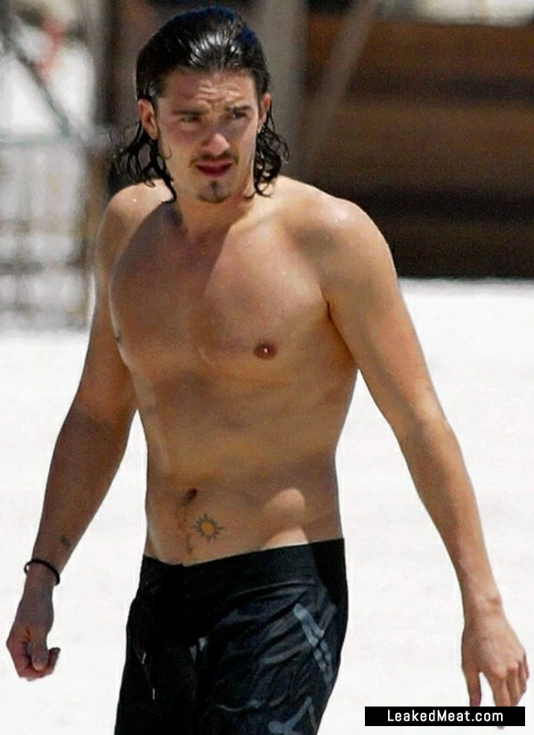 Orlando Bloom underwear picture