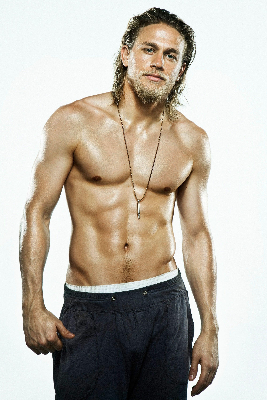 Charlie Hunnam sexy and shirtless