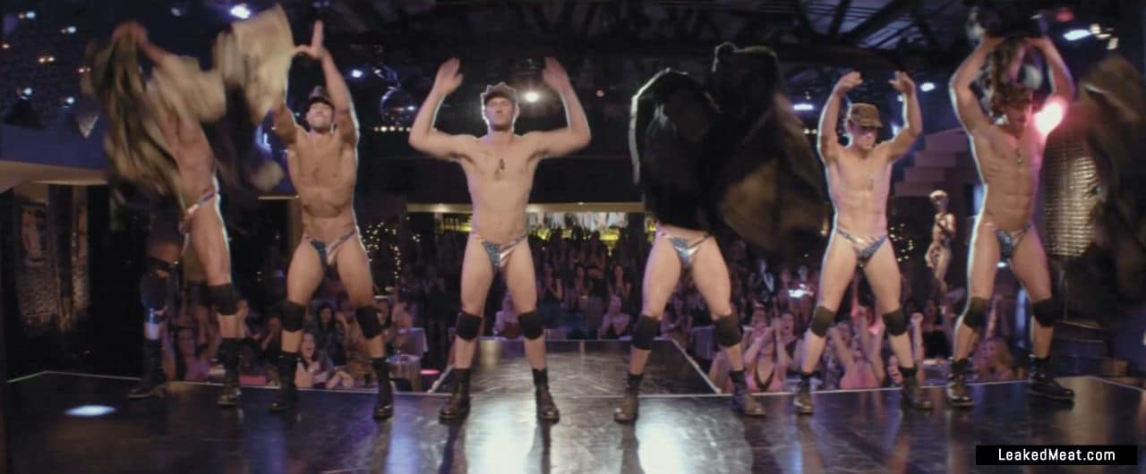 Alex Pettyfer sexy nude