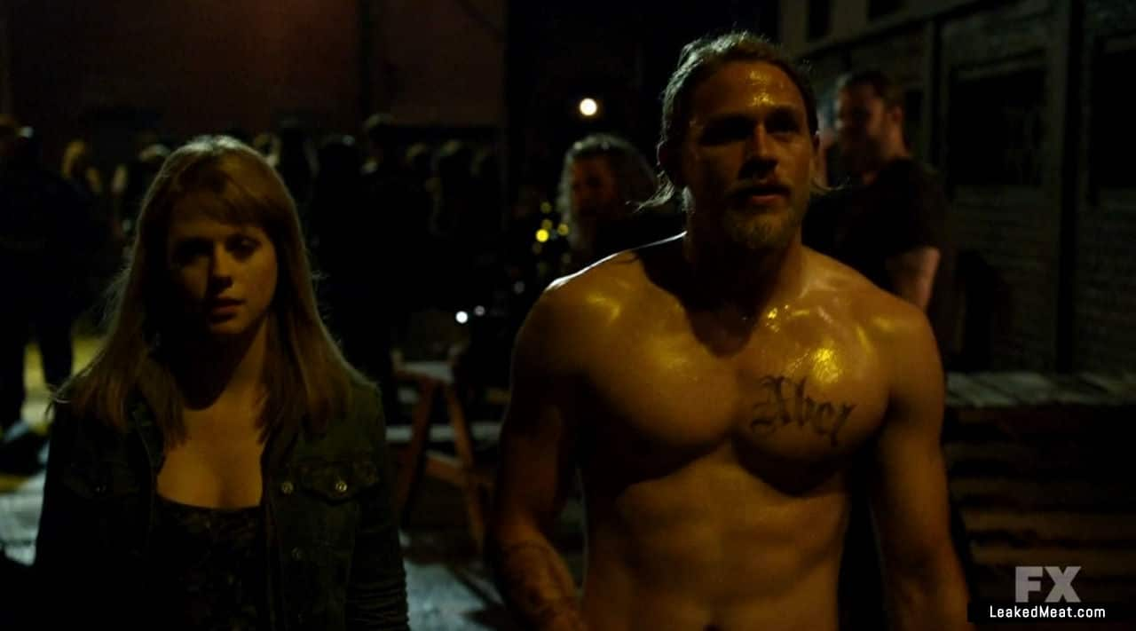 Charlie Hunnam fappening