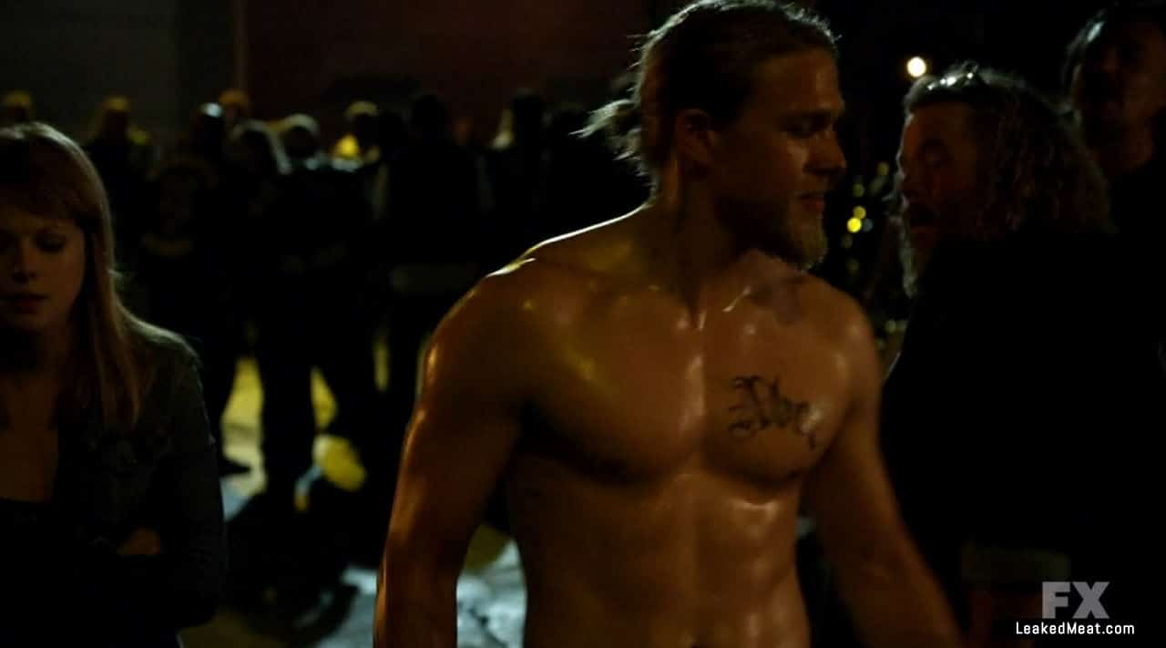 Charlie Hunnam shirtless picture
