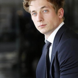 Jeremy Allen White HD pic