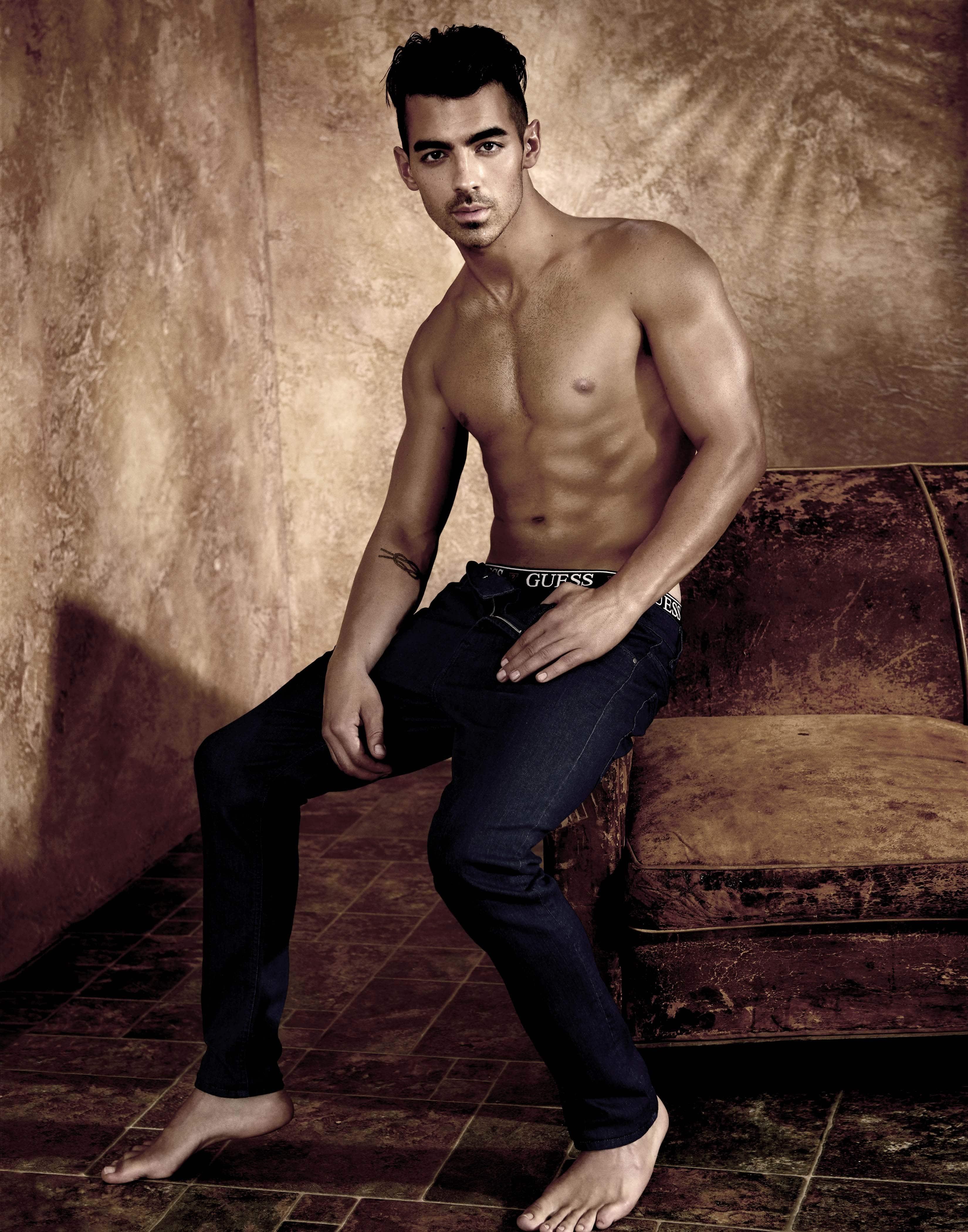 Joe Jonas naughty body