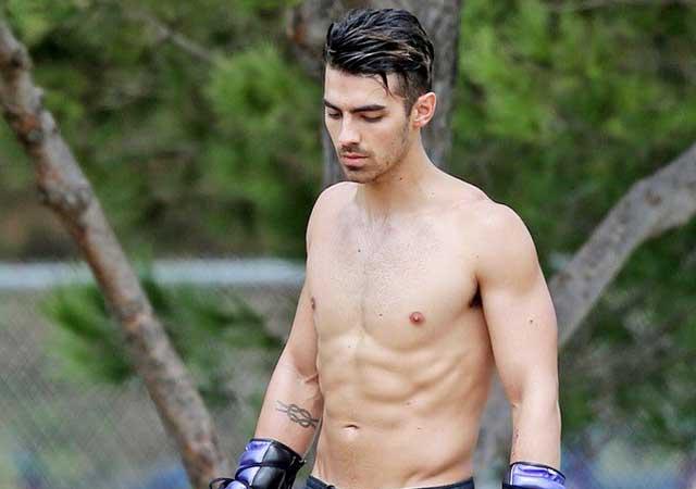 Joe Jonas Sexy abs
