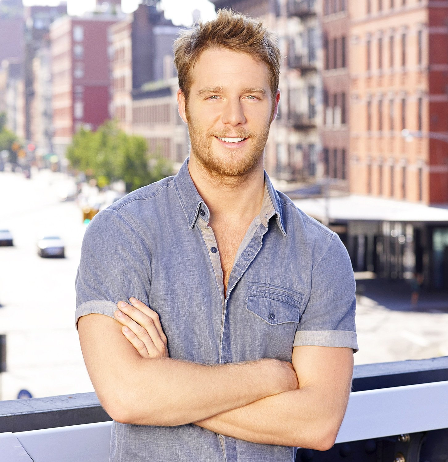 Jake McDorman uncensored nude pic