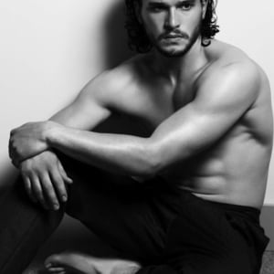 Kit Harington sexy abs