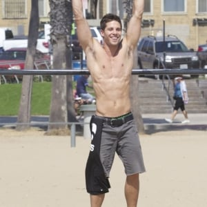 Dean Geyer hot images exposed