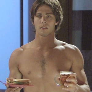 Dean Geyer naked body