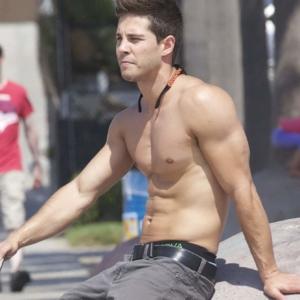 Dean Geyer sexy body
