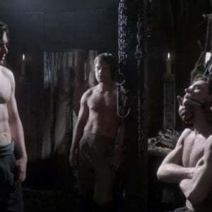 Alfie Allen naked body