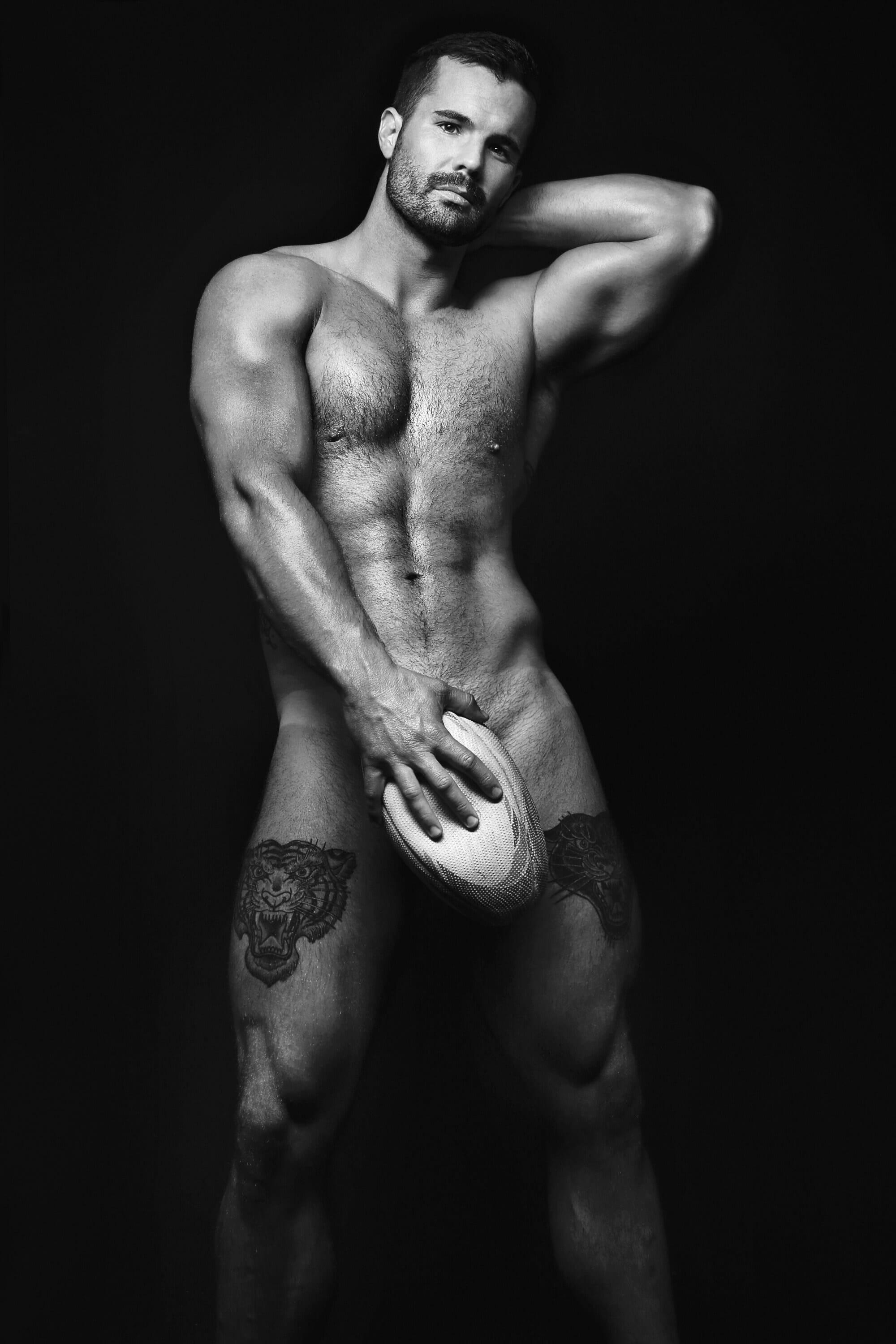 Simon Dunn nude photo shoot