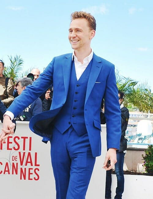 Tom Hiddleston bulges