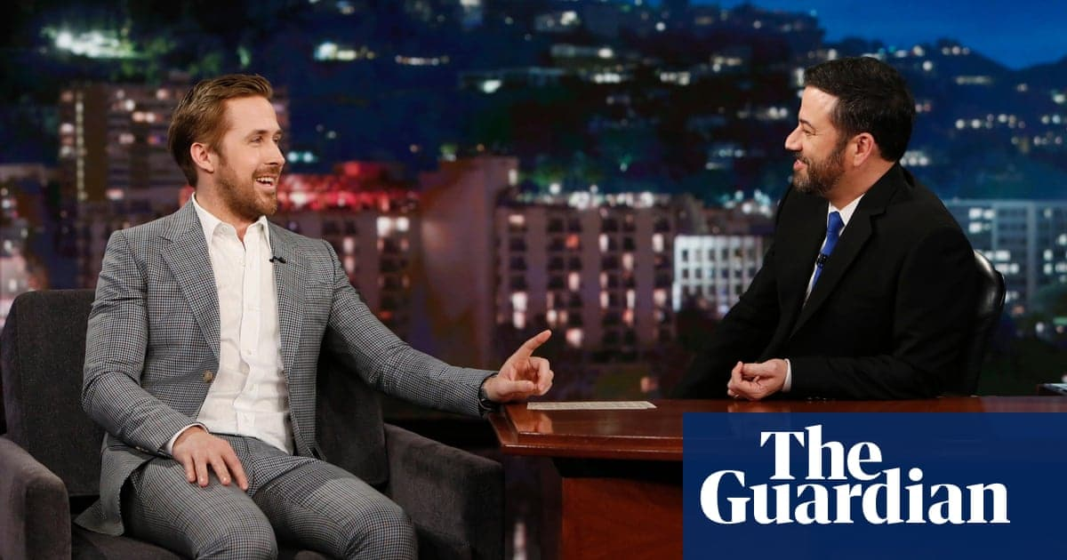 Ryan Gosling penis line in suit