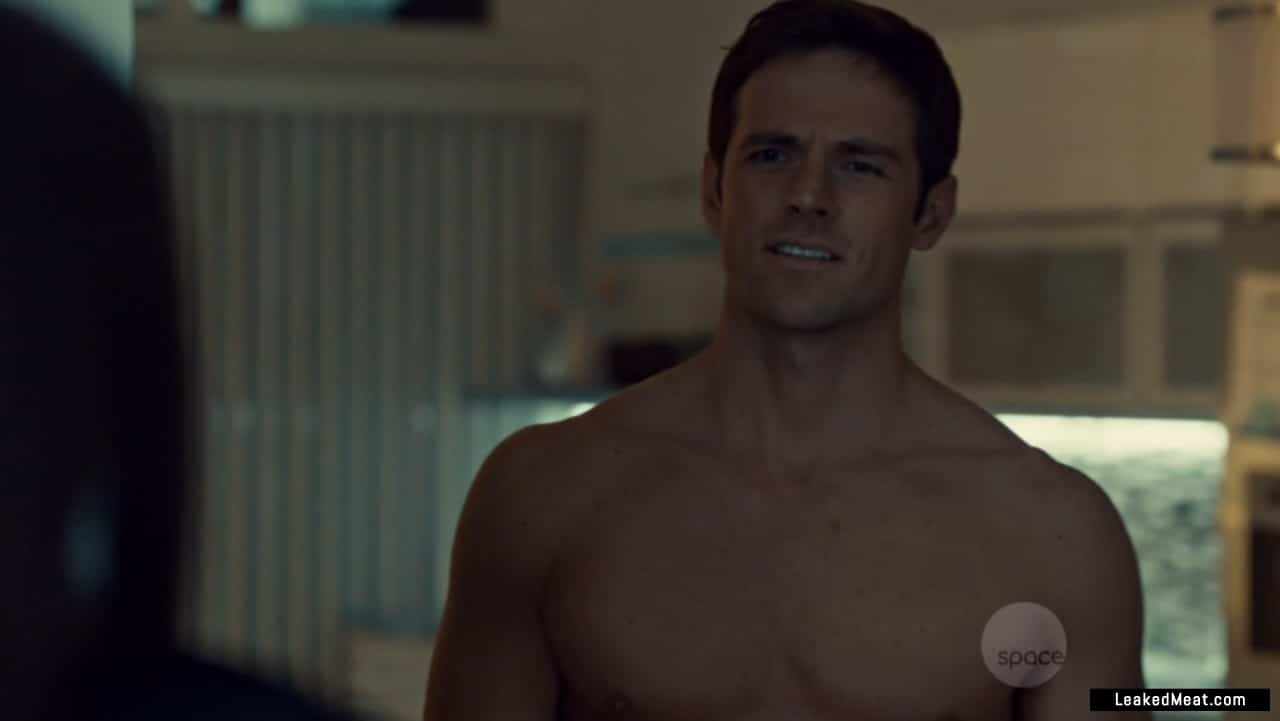 Dylan Bruce fappening
