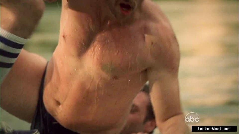 Pablo Schreiber naked