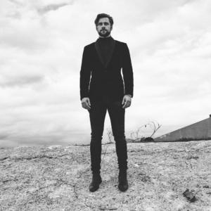 Luke Benward suit