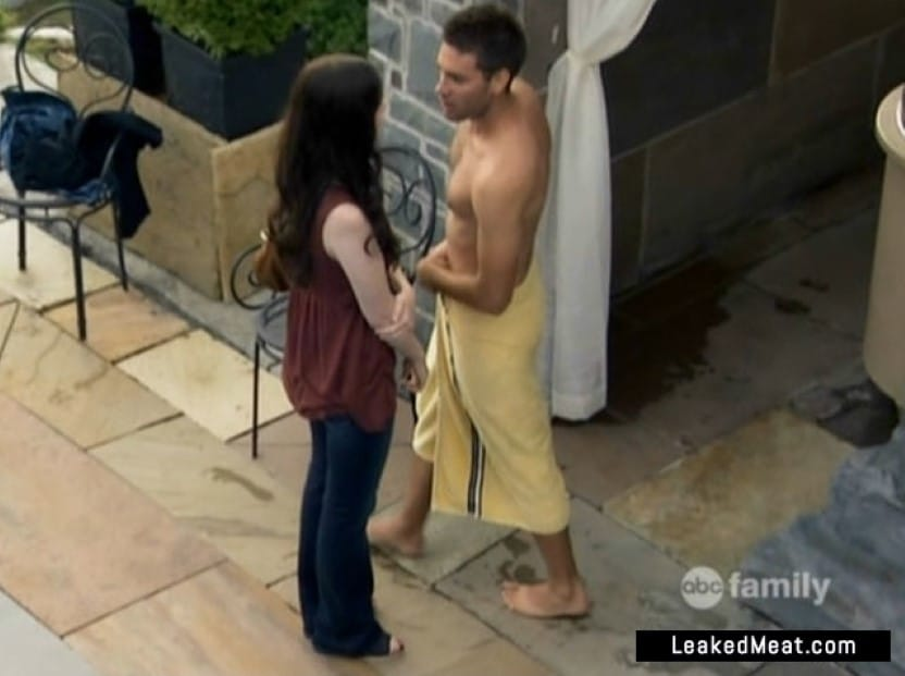 Drew Fuller wrapped in a towel