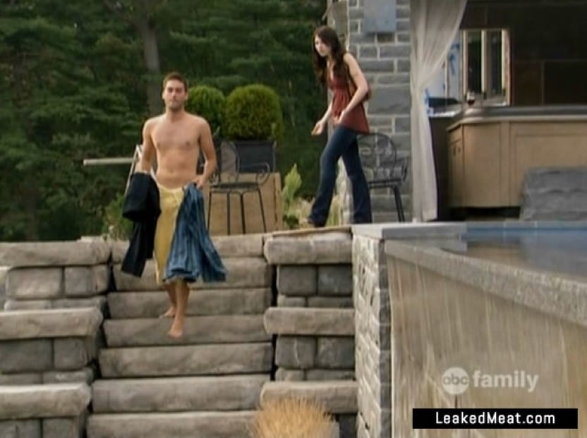 Drew Fuller no clothes on