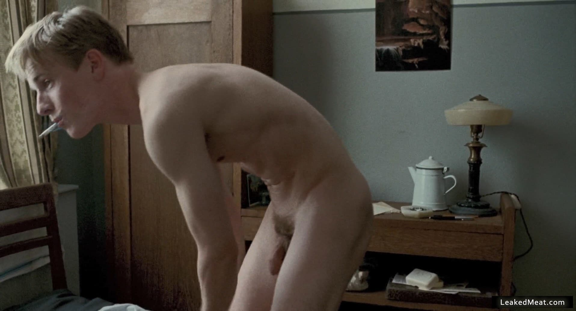 Louis Hofmann underwear picture