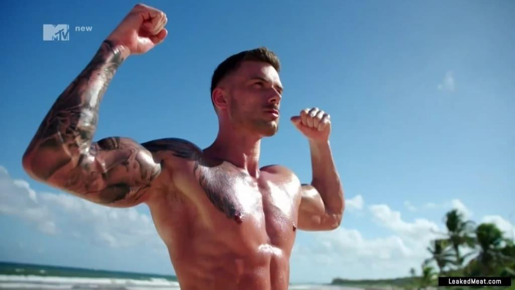 Aaron Gill nudes