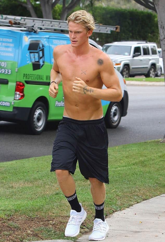Cody Simpson sexy naked