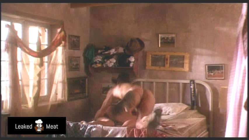 Woody Harrelson butthole nude picture