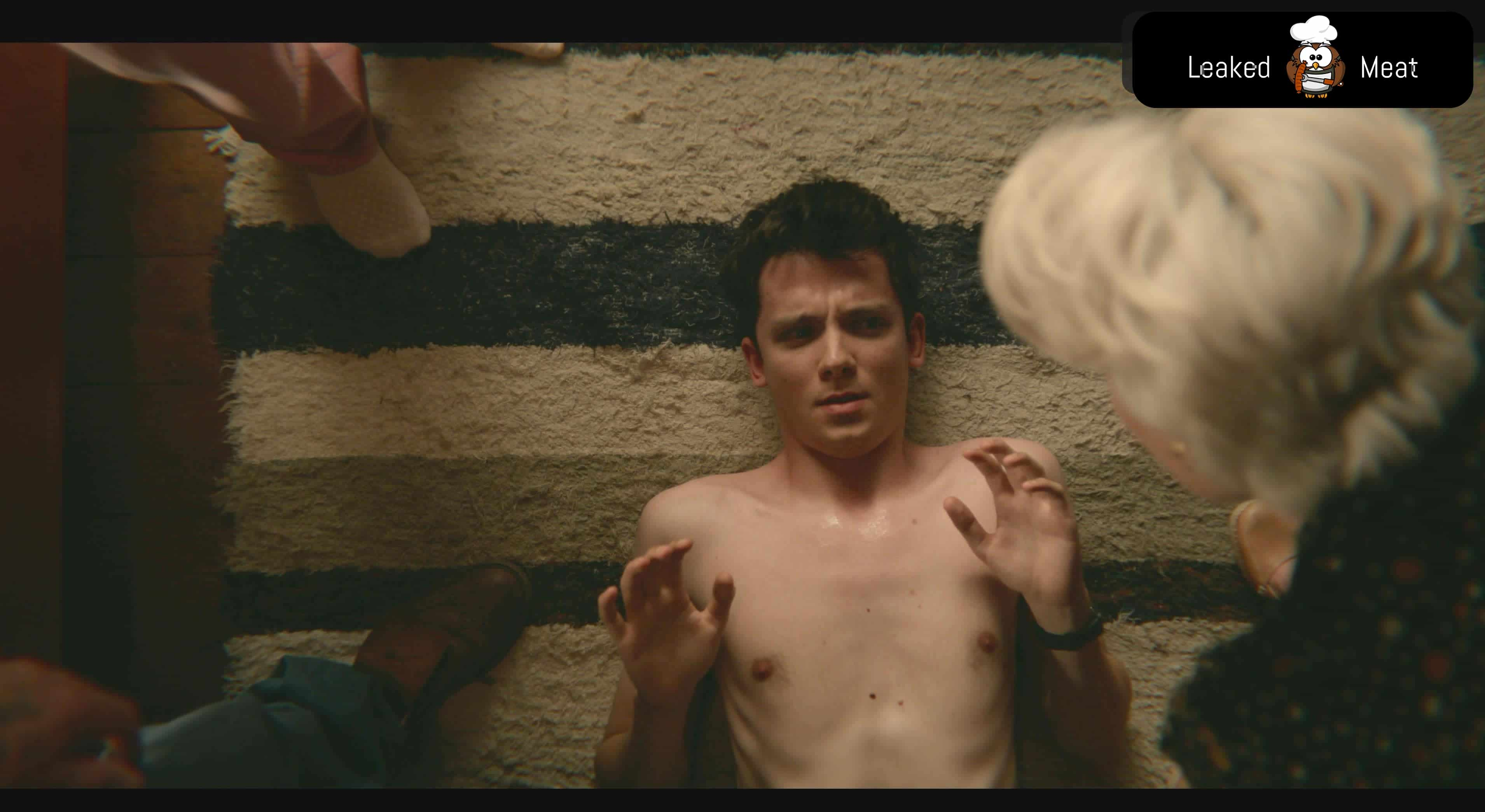 Asa Butterfield full frontal