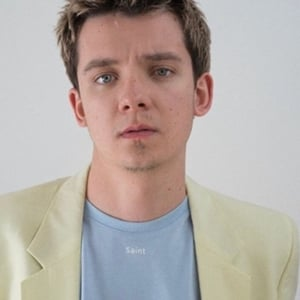 Asa Butterfield hot pic
