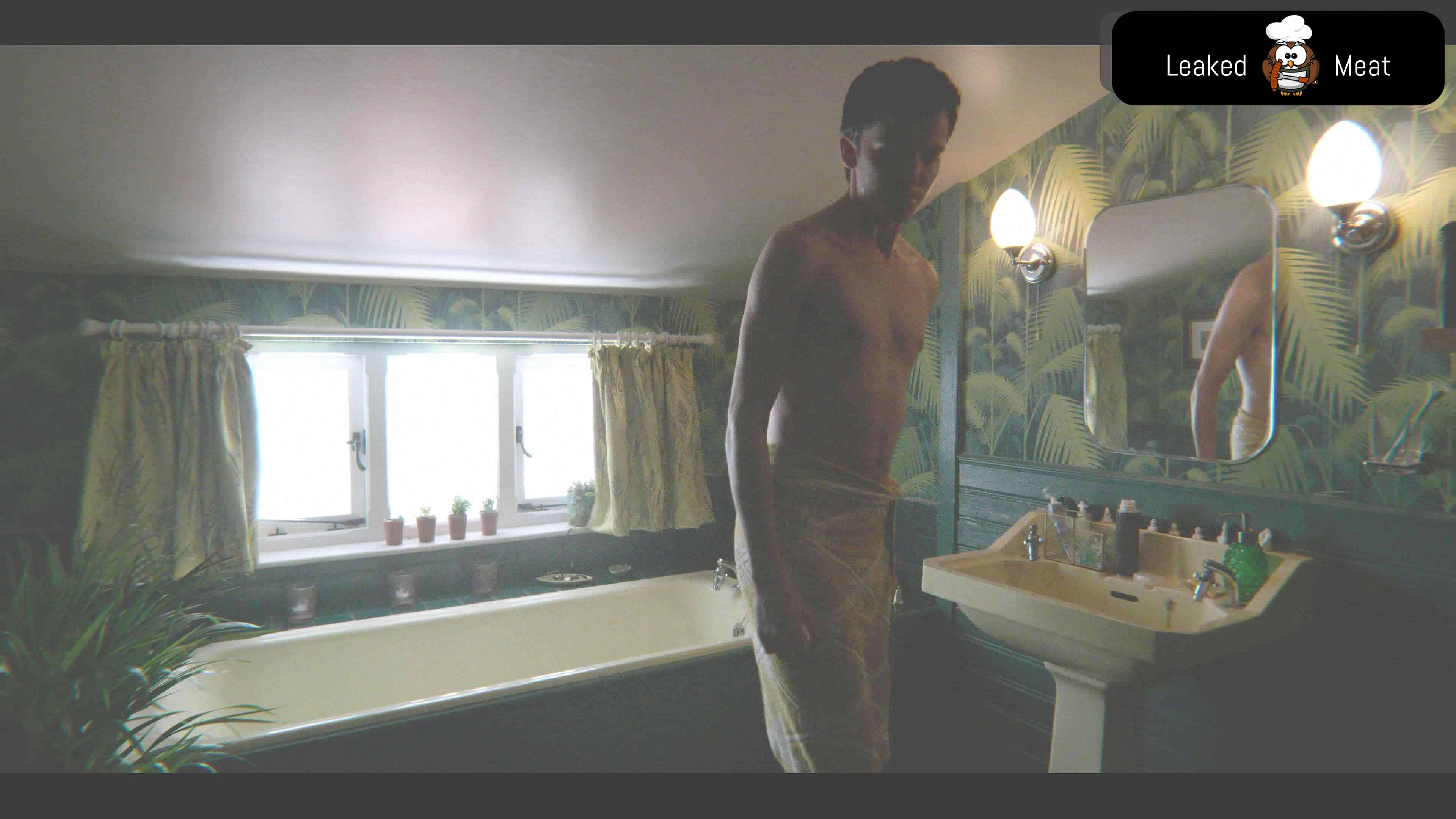 Asa Butterfield leaked nude