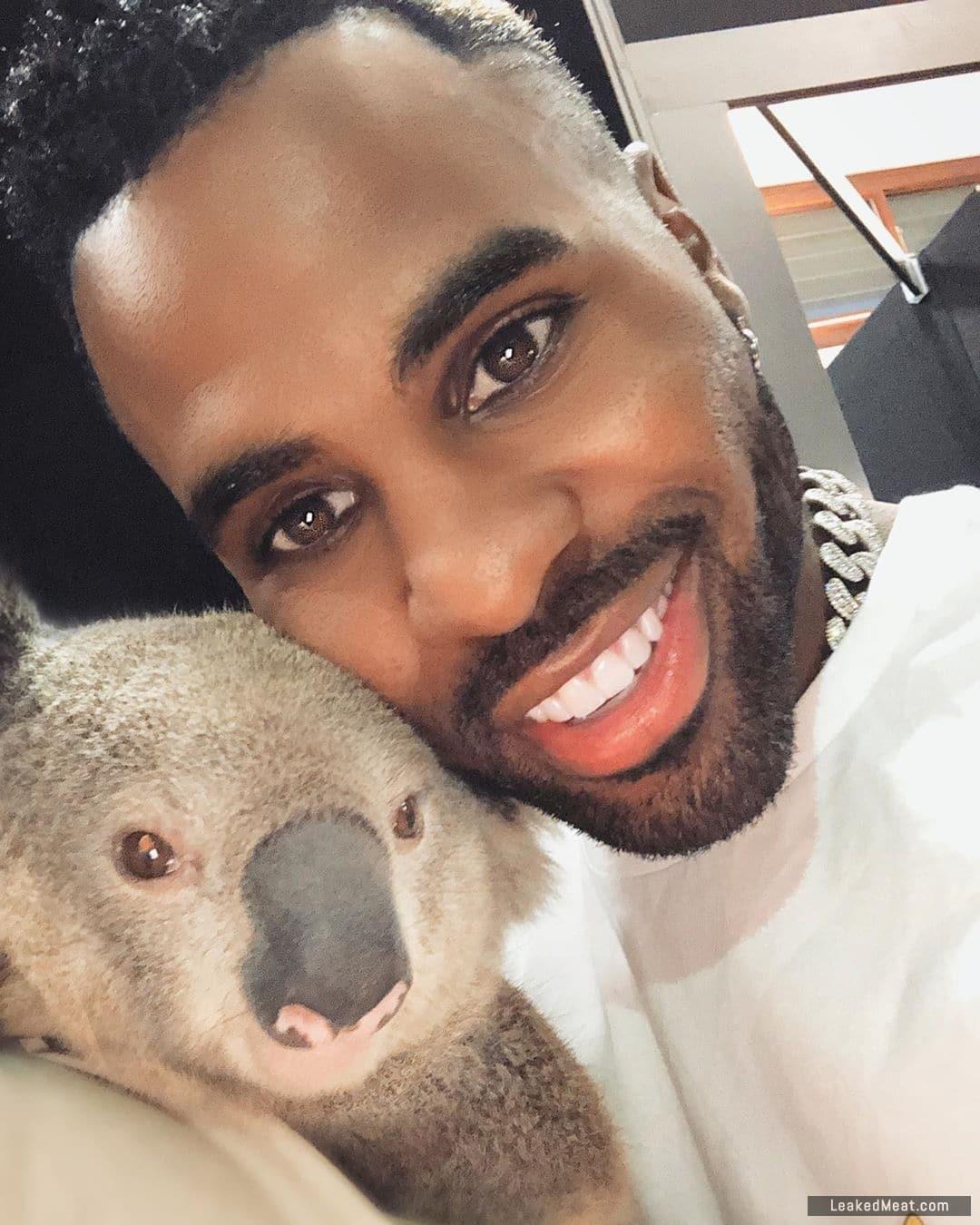 Jason Derulo selfie koala