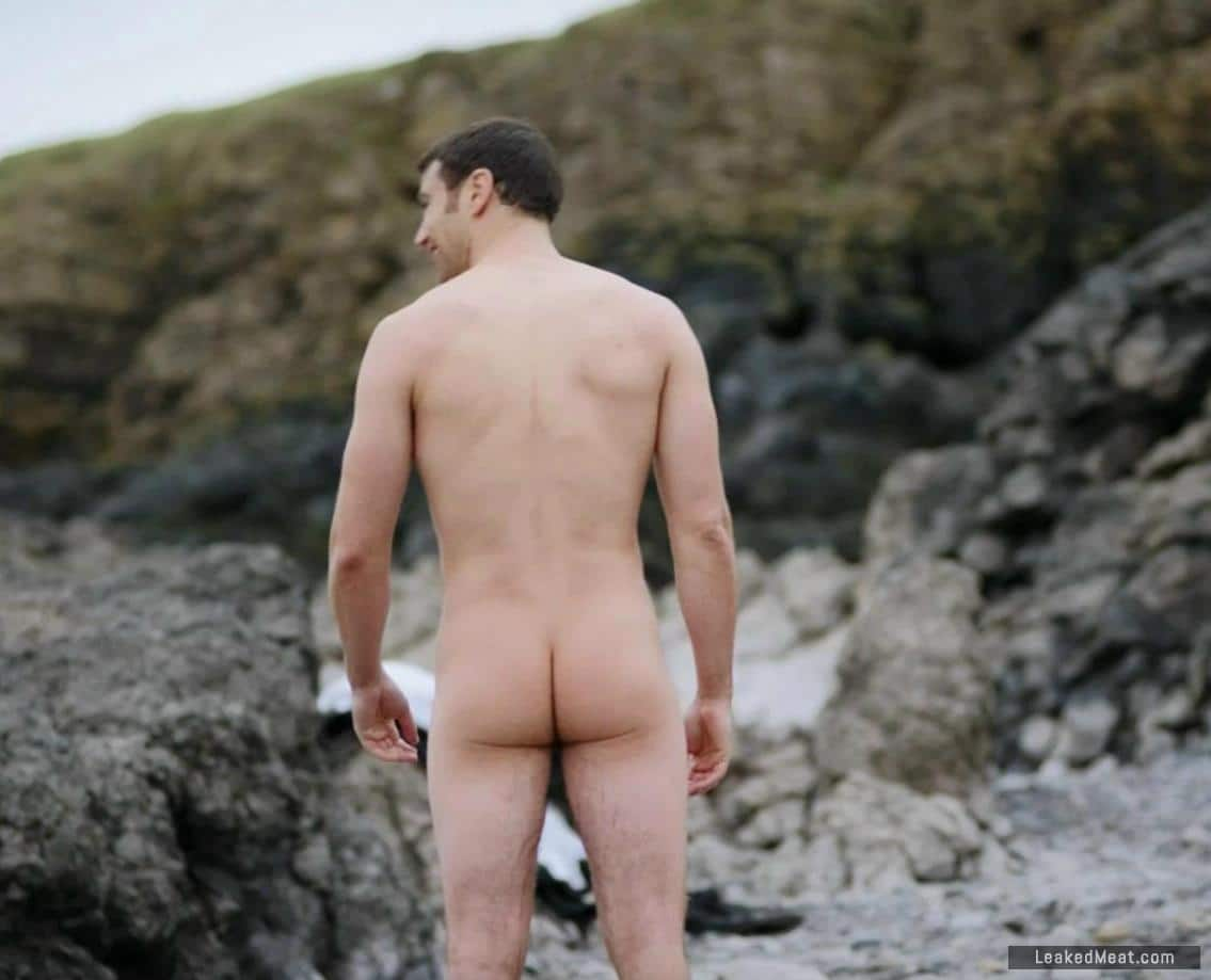 Theo James bare naked ass