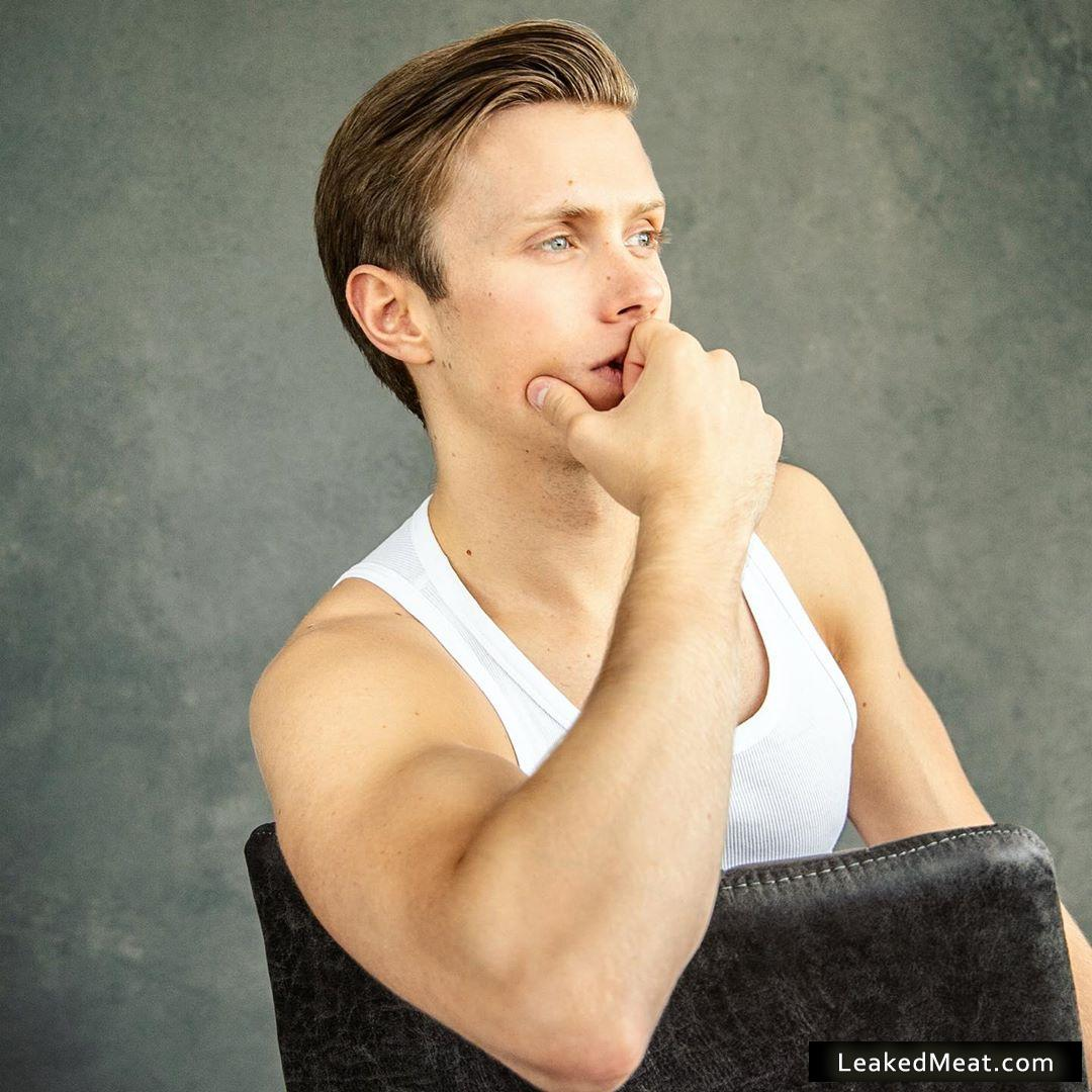 Rob Houchen forearms