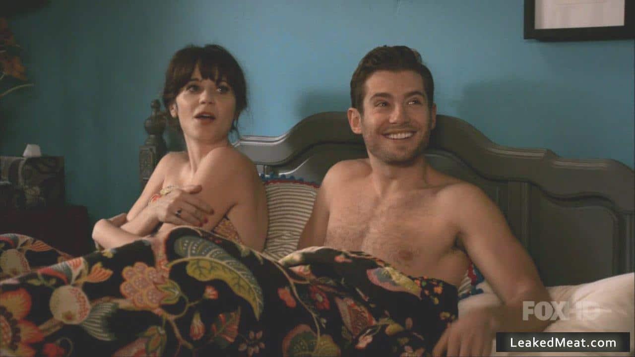 Julian Morris in bed