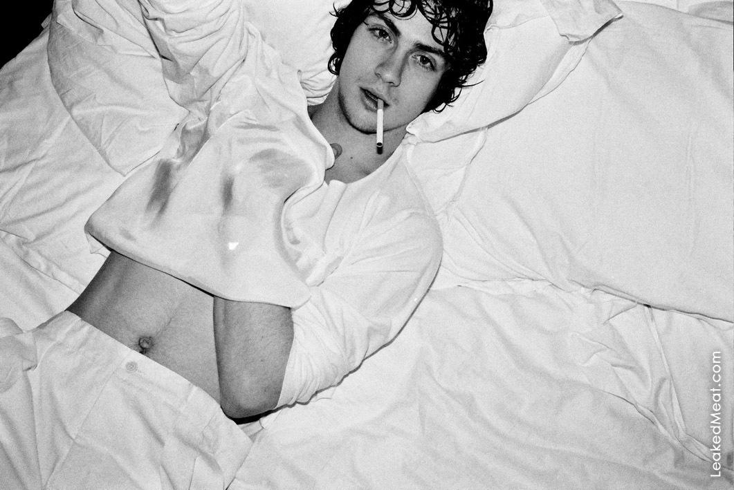 Aaron Taylor-Johnson | LeakedMeat 0