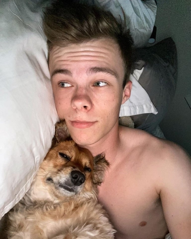 Nic Hamilton selfie with doggy